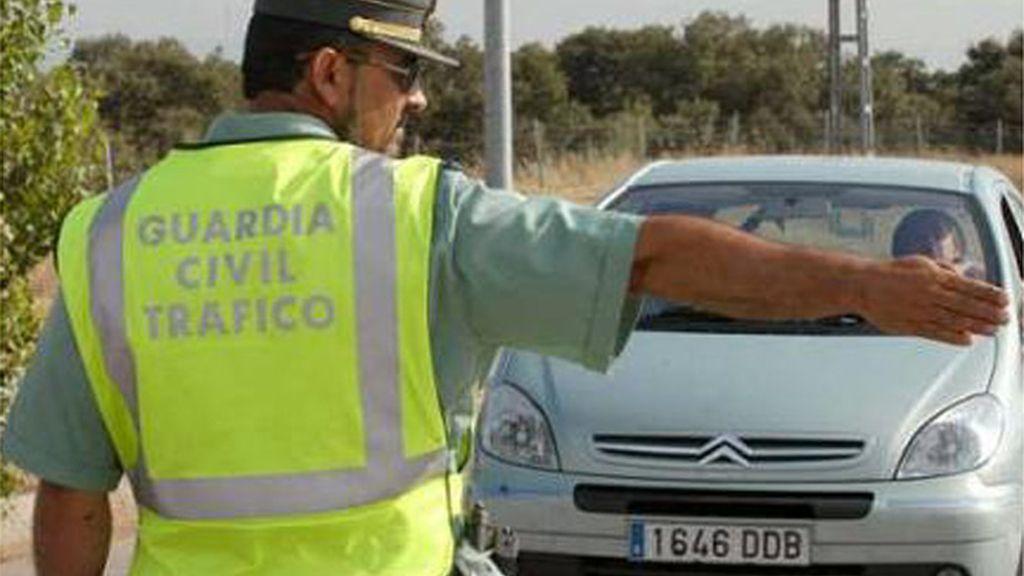 La Guardia Civil regula el tráfico
