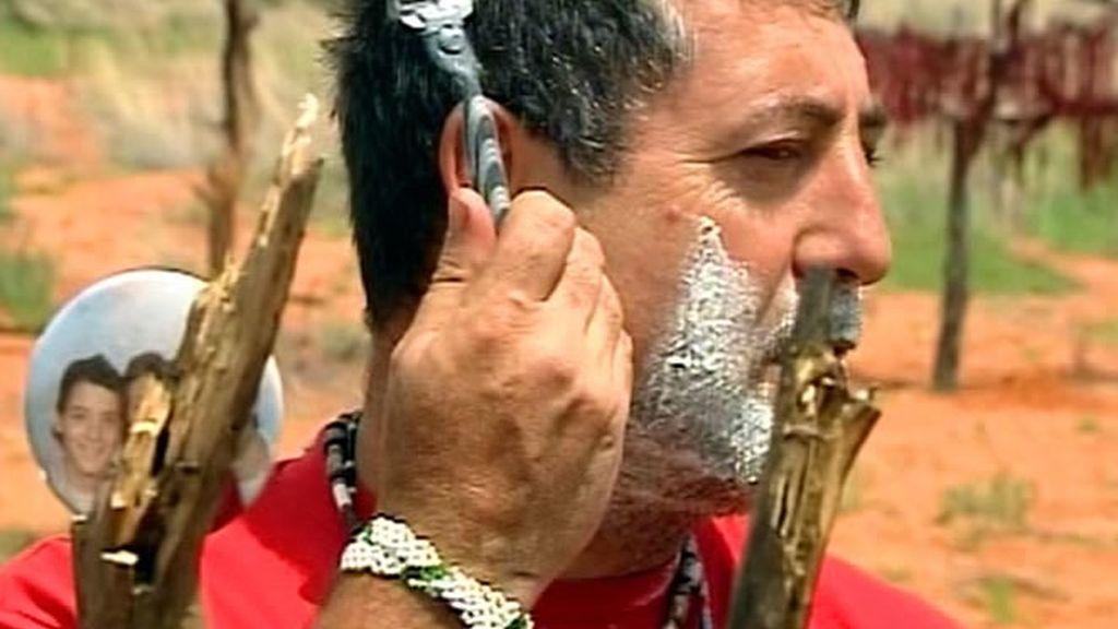 Los bushman impactados por el pelo de Jose Manuel