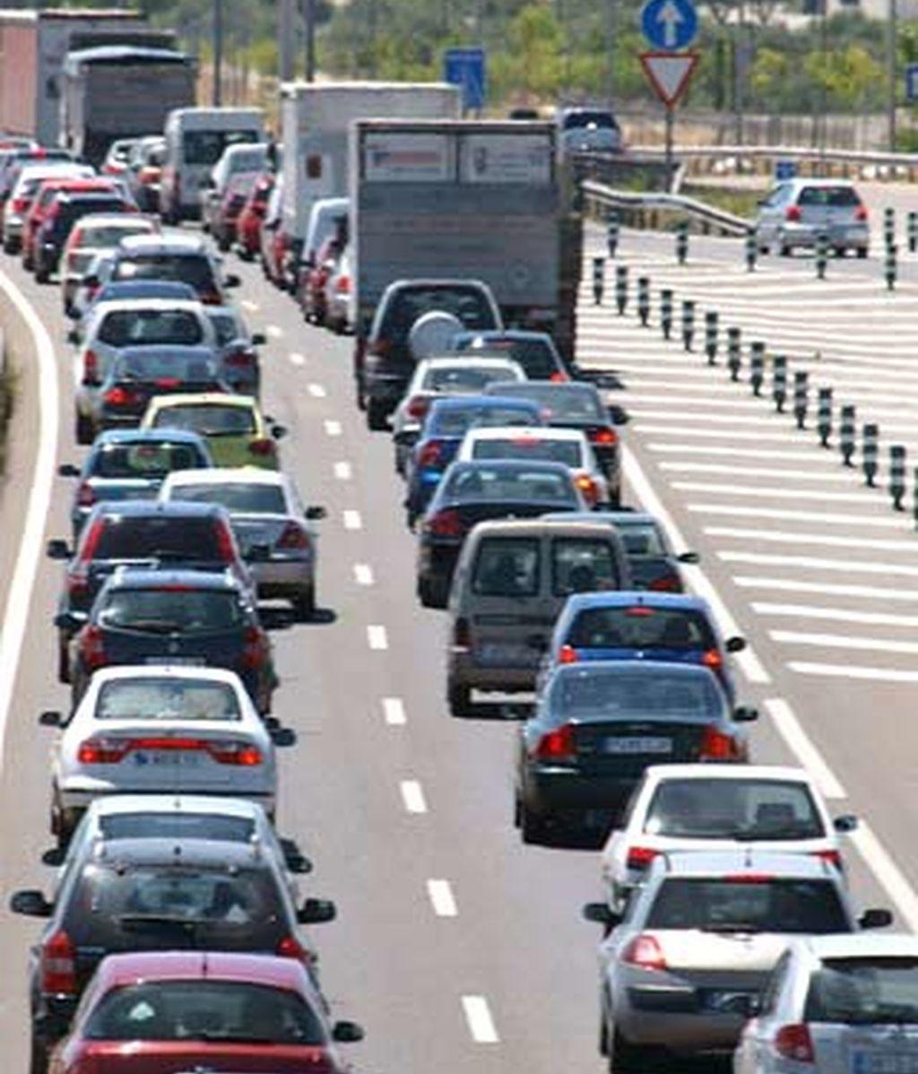 La salida de Madrid por la A-5 a la altura de Móstoles ha registrado complicaciones el viernes y el sábado por la mañana. Foto: EFE