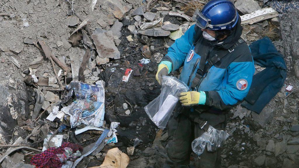 Búsqueda entre los restos del avión de Germanwings
