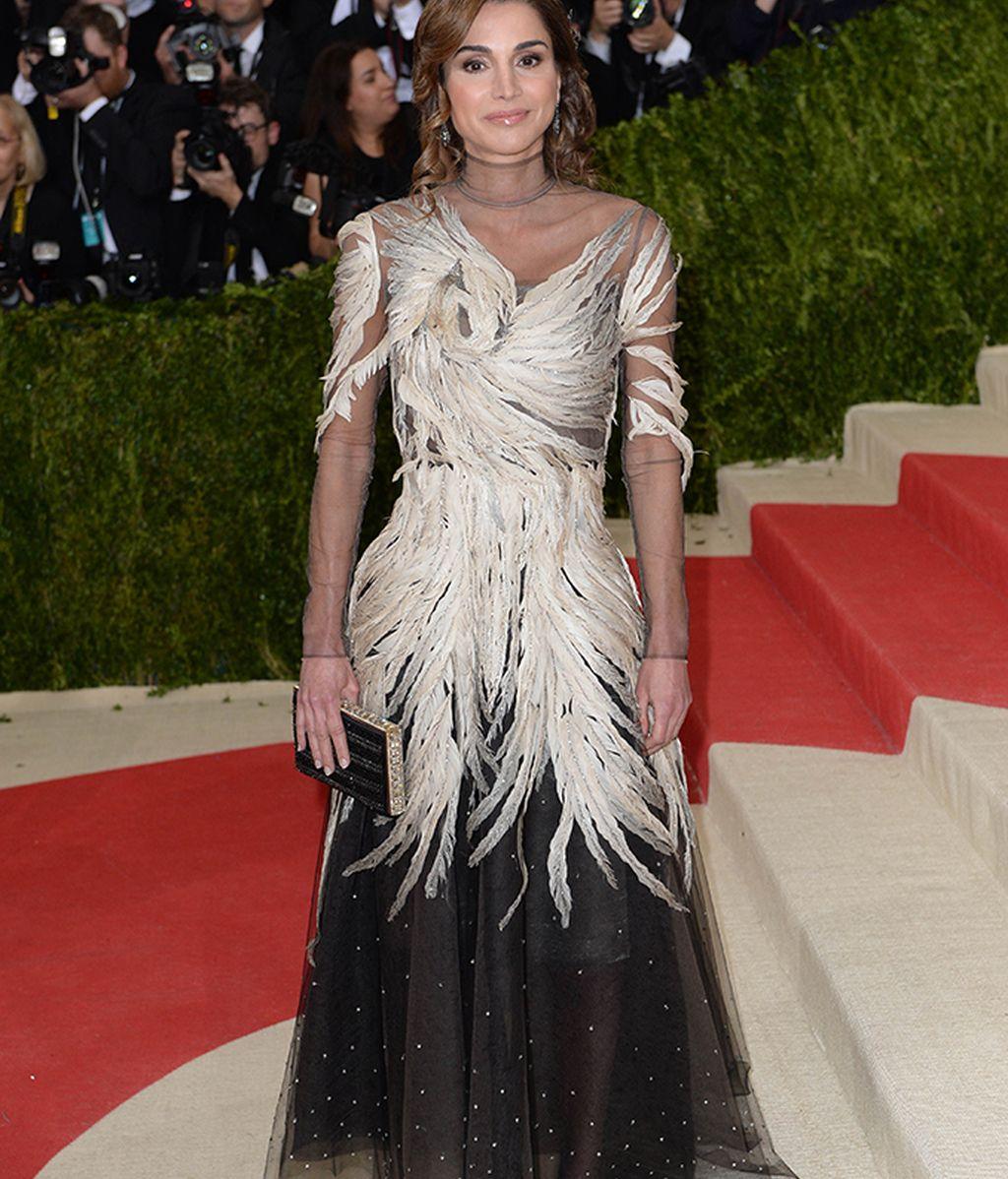 Rania de Jordania vestida de Valentino