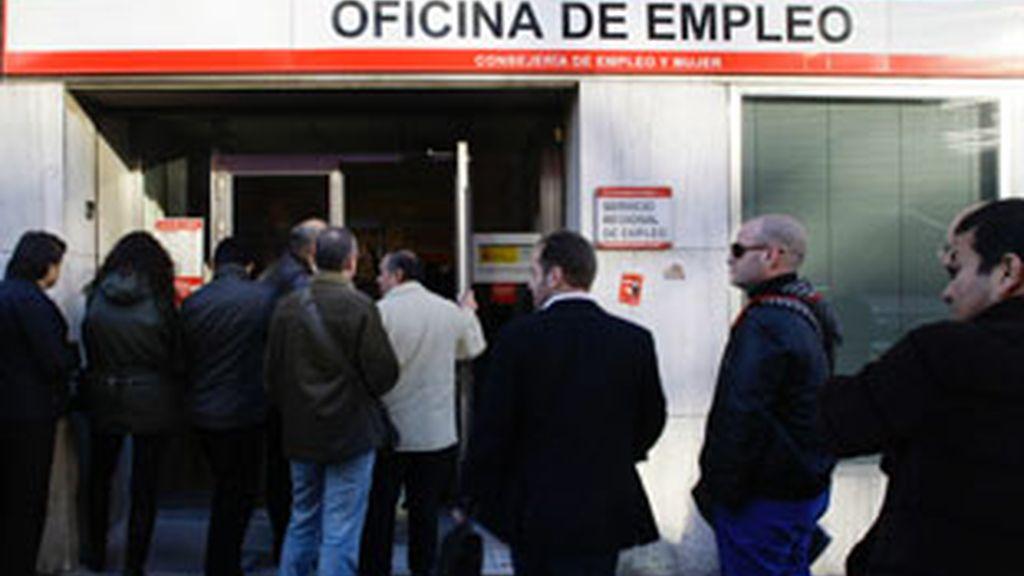 La CEOE culpa a los salarios y al alto coste del despido de la alta tasa de destrucción del empleo en España