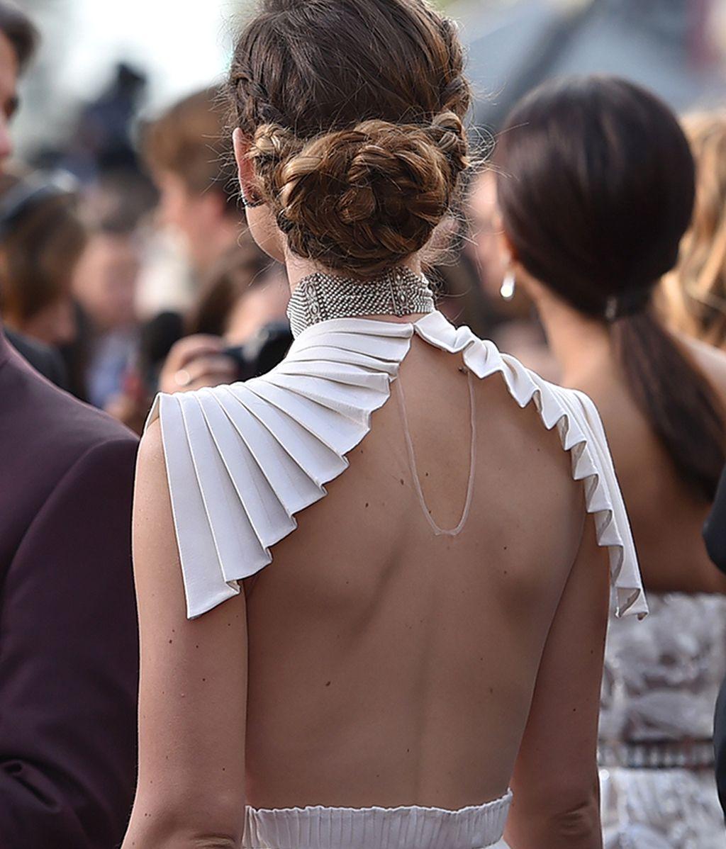 Detalle de la espalda del vestido de Olivia Wilde