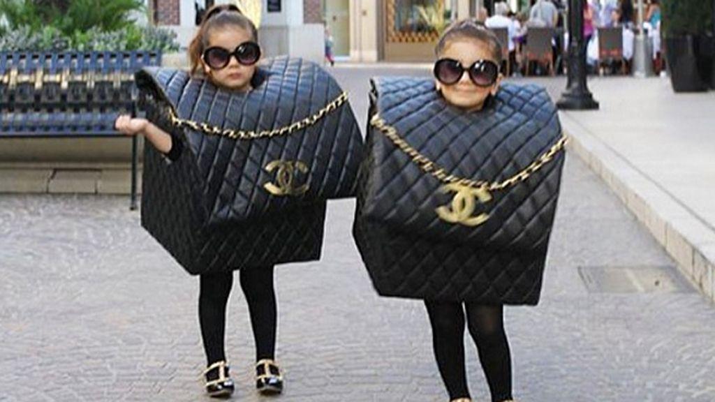 Disfrazadas del famoso bolso de Chanel