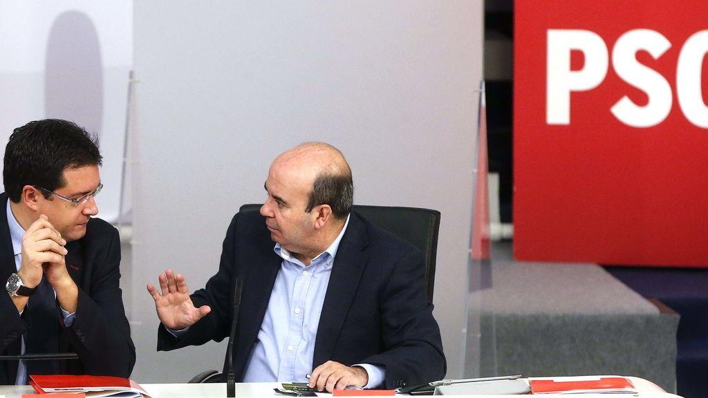 Óscar López en rueda de prensa