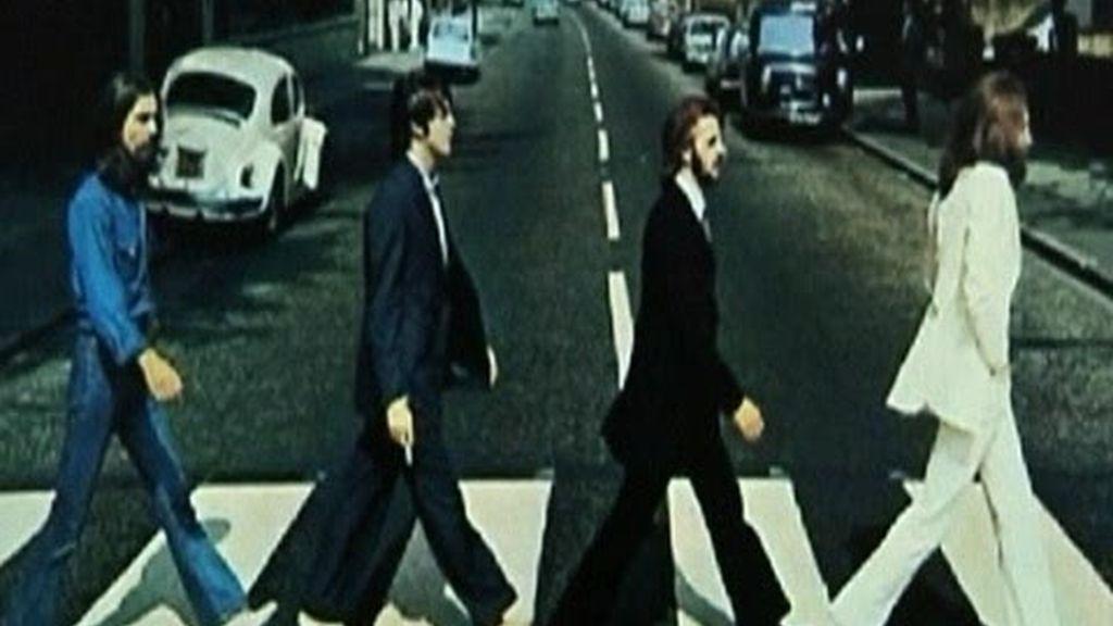 A subasta la ropa y el coche de Lennon