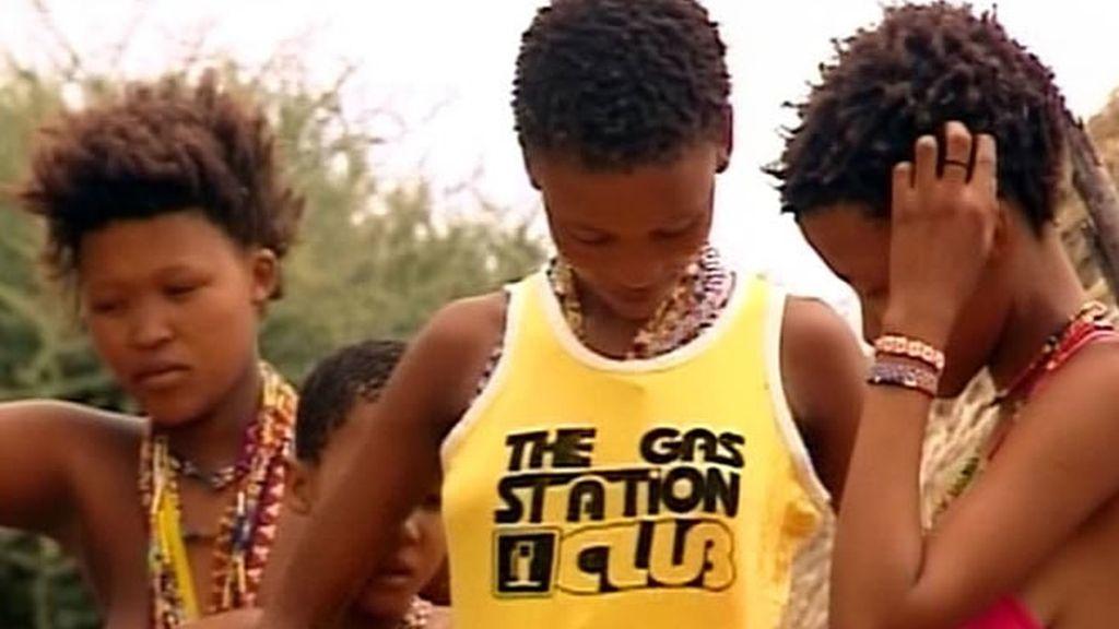 Ivonne decide prestar a las chicas de la tribu alguna de su ropa más apreciada