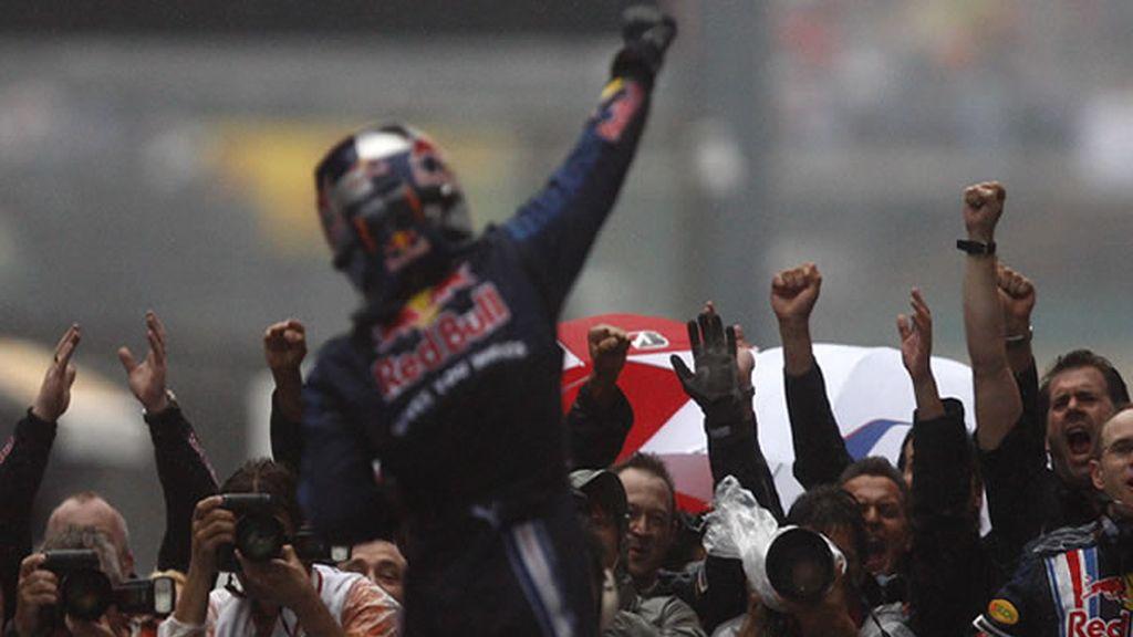 Pole y victoria para Vettel