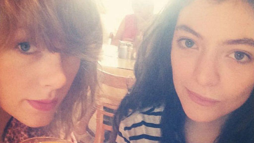 Más allá de verlas despeinadas, compartiendo desayuno, Taylor Swift y Lorde han sido las jefas de la música en 2014