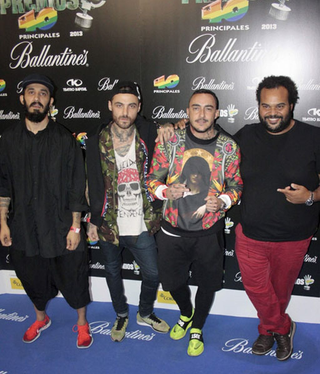 Carlos Jean, Zombi Kids y DJ Nano posaron juntos