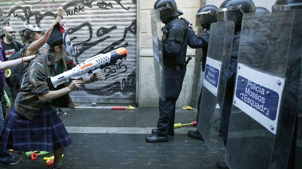 Enfrentamientos en el barrio de Gràcia de Barcelona