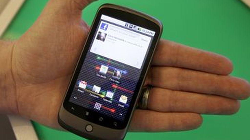 Los ususarios con deficiencias visuales podrán usar móviles inteligentes gracias a esta aplicación.