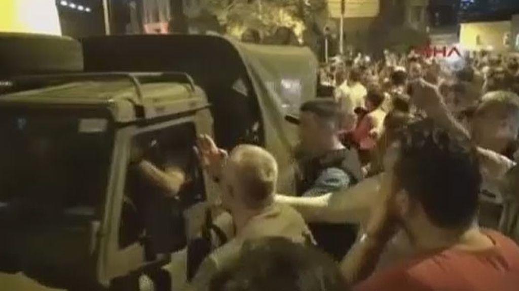 La muchedumbre que paró el golpe de Estado en Turquía