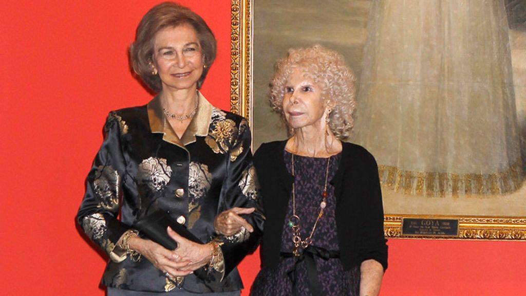 La Duquesa de Alba estuvo arropada por Doña Sofía en la presentación