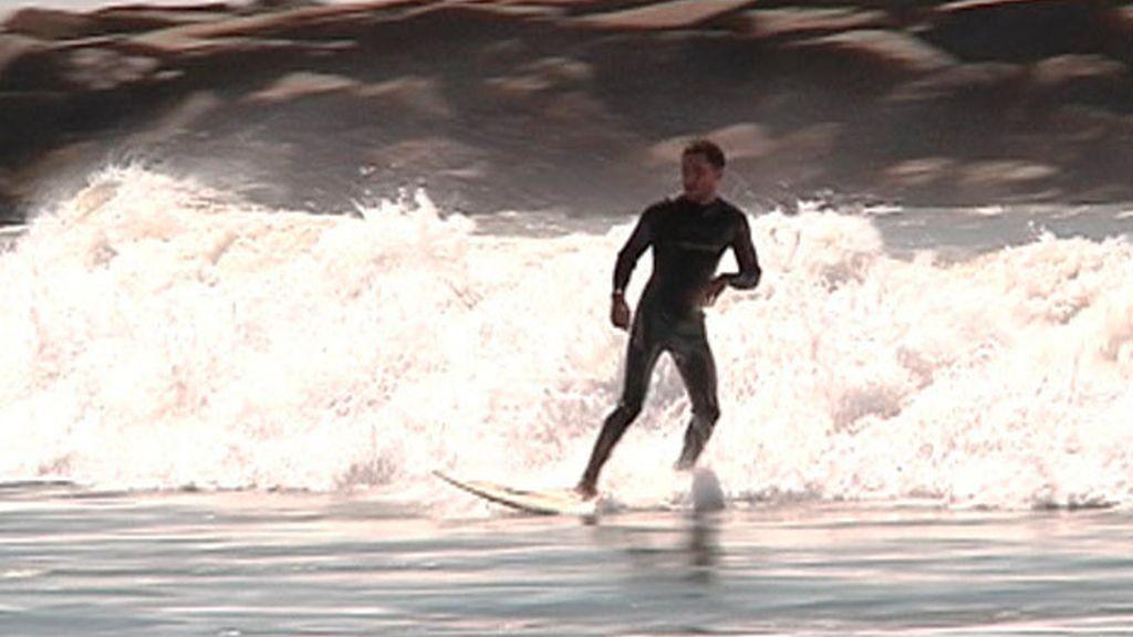 Surf en la playa del sur
