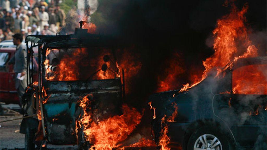 Atentado en Peshawar (7 diciembre 2009)