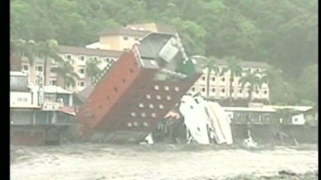 El tifón 'Morakot' arrasa Taiwán