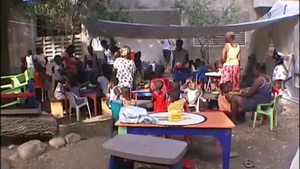 Cuatro niños haitianos más, adoptados por españoles