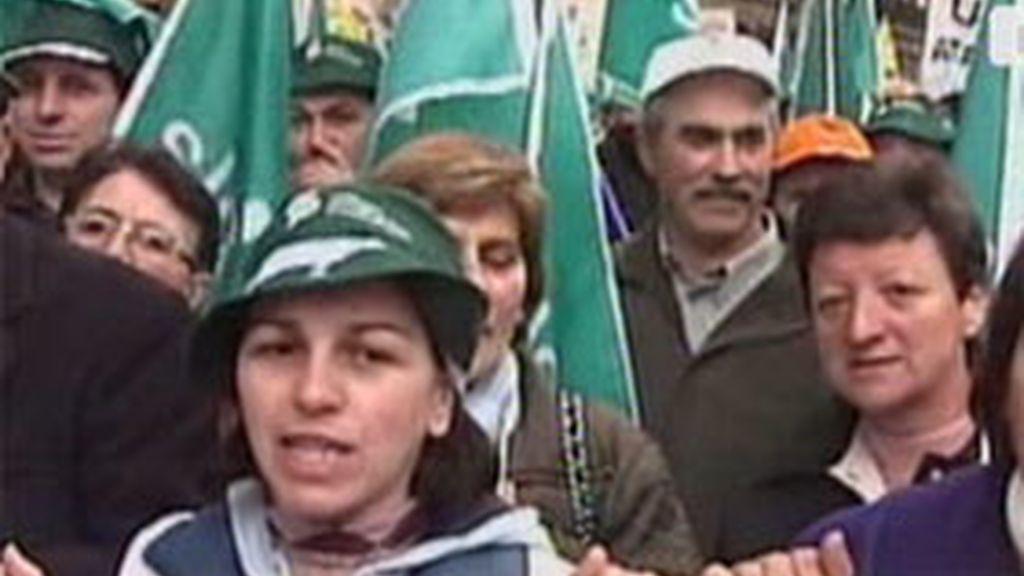 Miles de ganaderos se manifiestan en las calles de Madrid