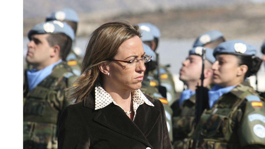 La ministra Chacón con las tropas españolas
