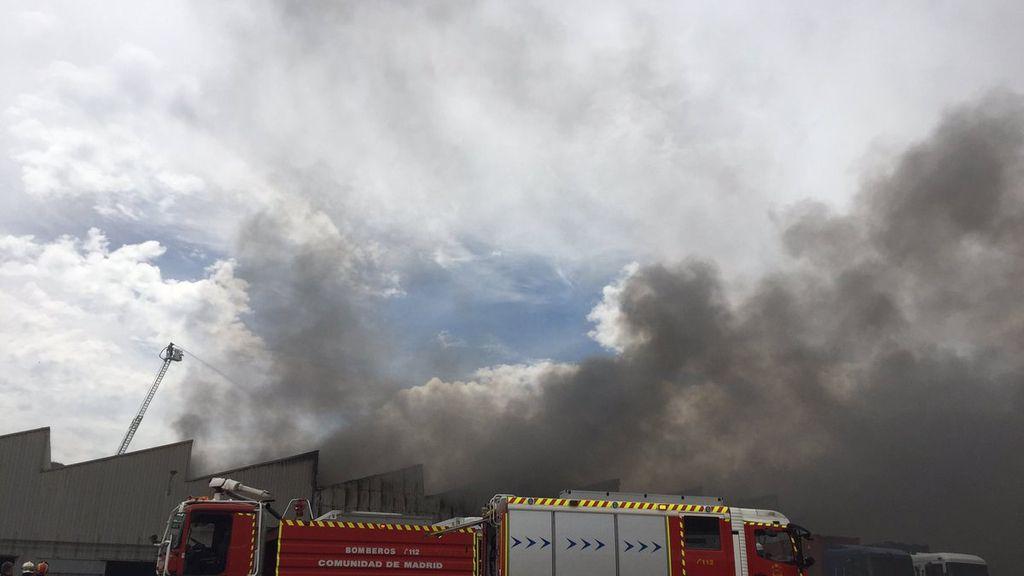 Arden siete naves en un polígono industrial de Alcalá de Henares