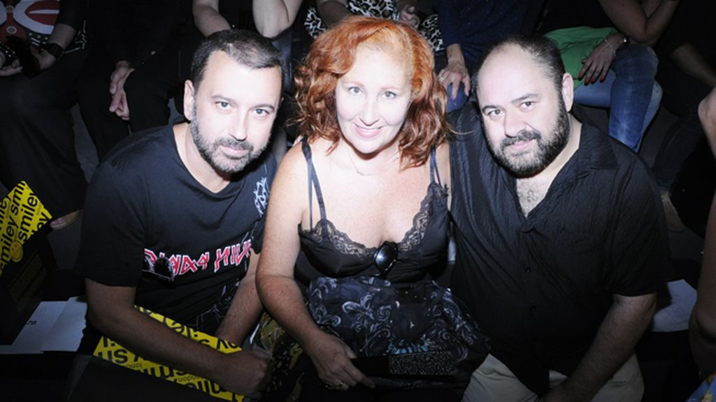 Los directores Félix Sabroso y Dunia Ayaso junto al actor Jorge Calvo