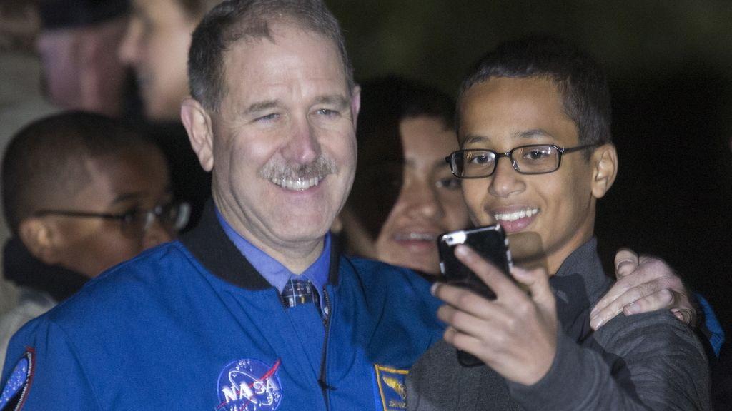 Ahmed Mohamed en la Casa Blanca en la Noche de la Astronomía