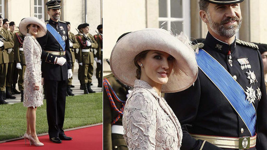 Letizia y el Príncipe Felipe a su entrada en la boda real de Luxemburgo