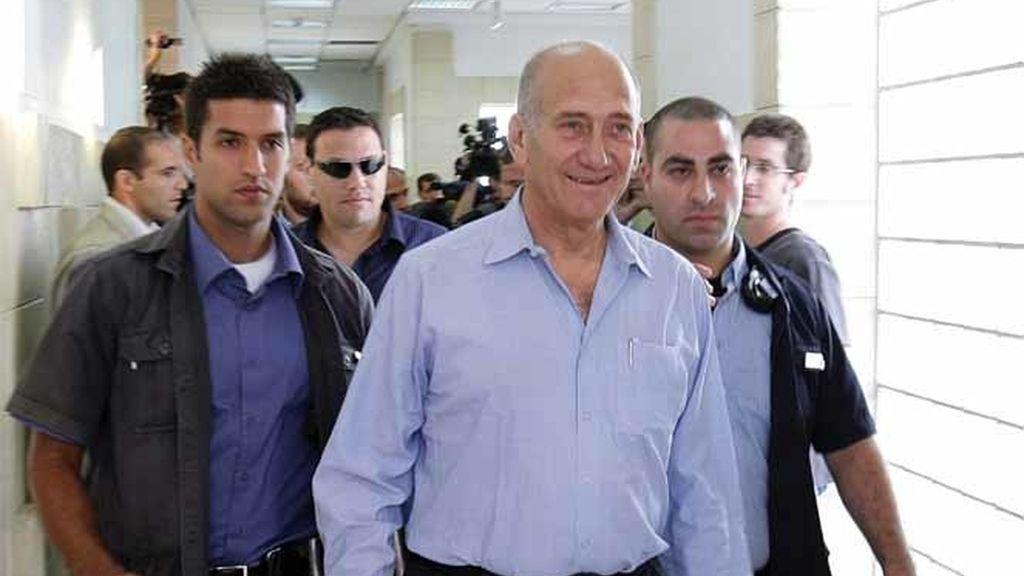 Olmert en el banquillo de los acusados