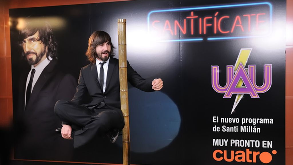 Santi Millán levita en la Puerta del Sol