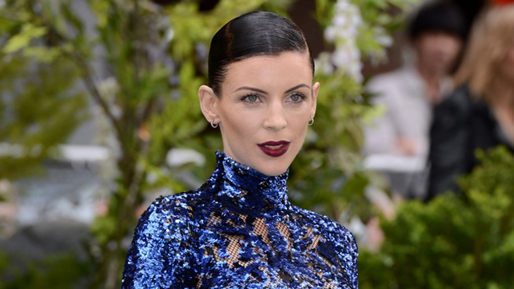 Liberty Ross, el look perfecto para el burdeos