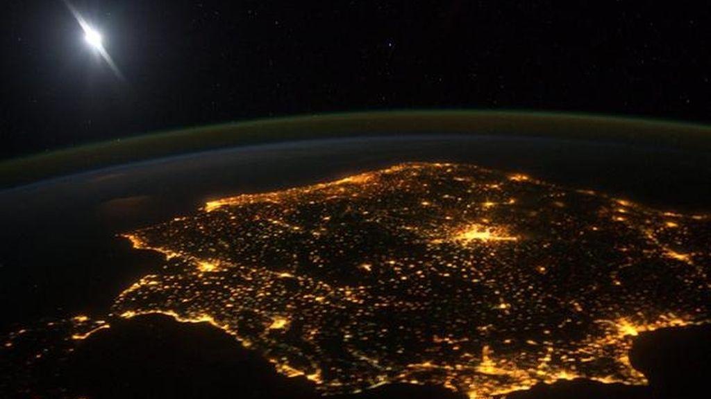 Imagen aérea nocturna de la Península Ibérica