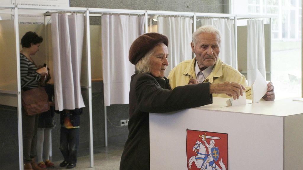 La jefa de Estado de Lituania, favorita en las elecciones presidenciales