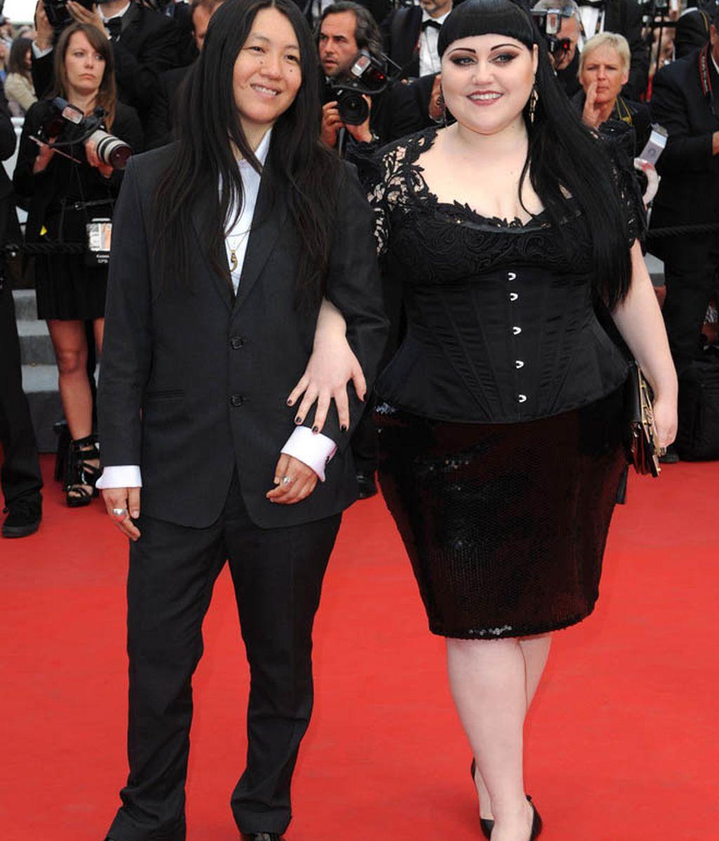 Beth Ditto demuestra que los kilos de más pueden quedar divinamente