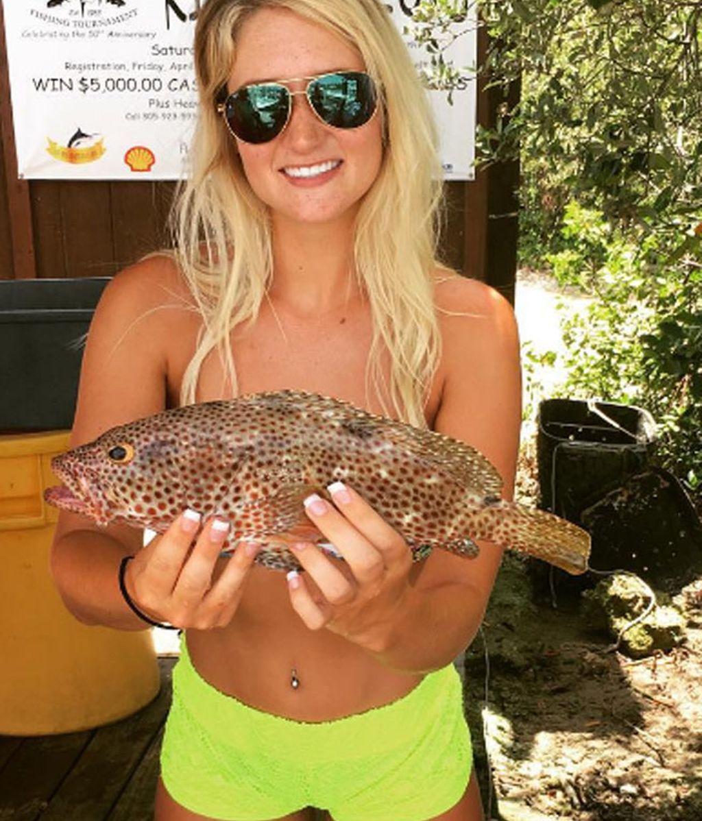 #Fishbra, la moda de utilizar un pez como sujetador