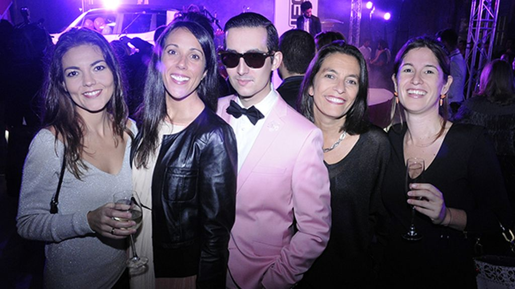 Con las chicas de Divinity.es Sandra Vicente, Diana Rodríguez, Ana Bueno y Nuria Labari