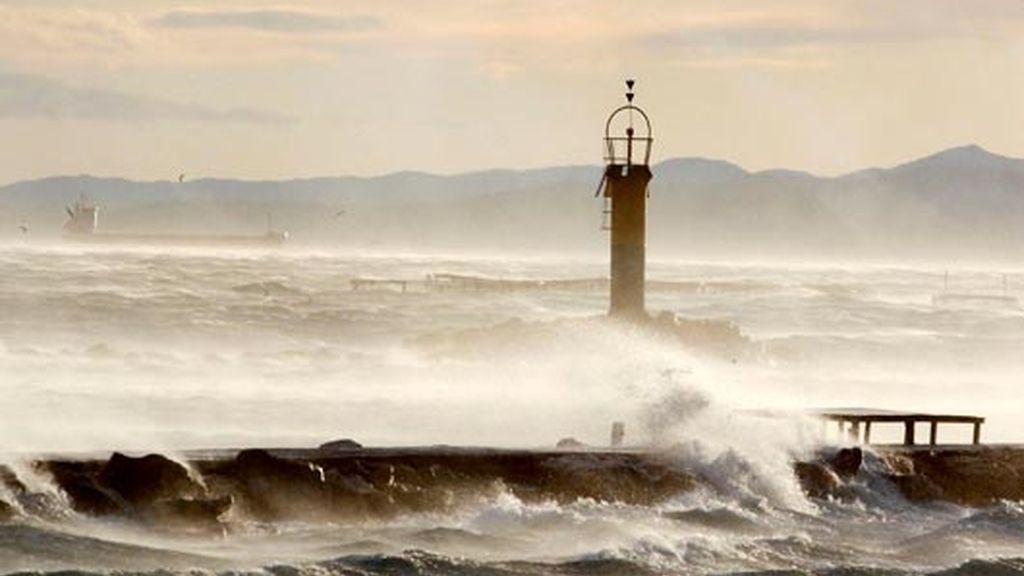 Cataluña vive con tragicidad el temporal de viento
