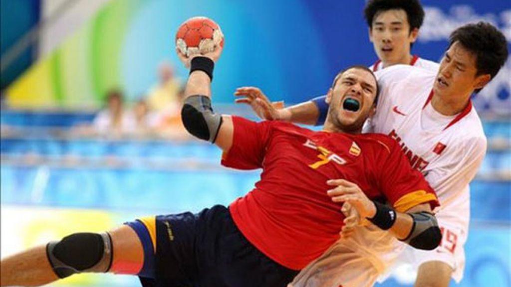 El equipo de balonmano español vence a China con comodidad
