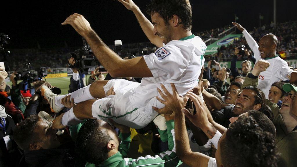 Raúl cuelga las botas levantando su título número 22 (16/11/2015)