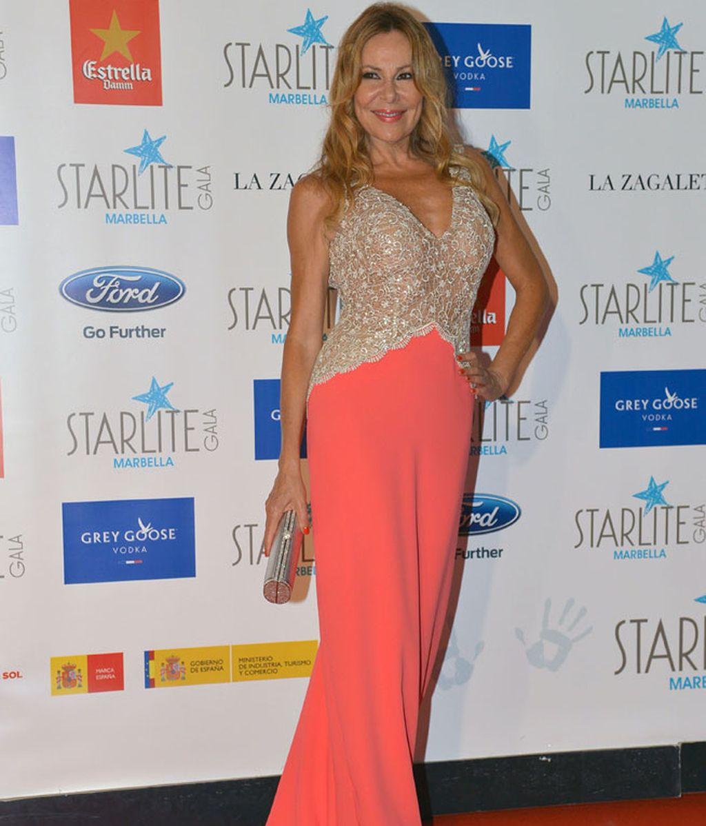 Ana Obregón, con un vestido de corte sirena