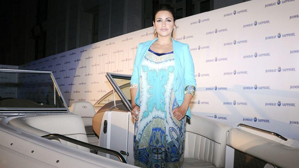 Mónica Cruz posó en el barco que ha diseñado para Bombay Sapphire