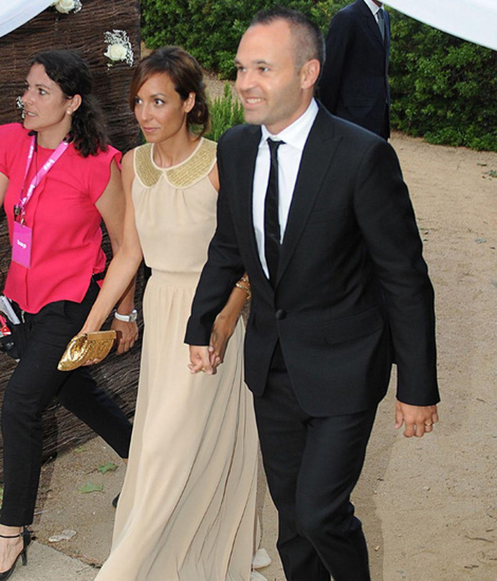 Andrés Iniesta y su mujer, Anna Ortiz