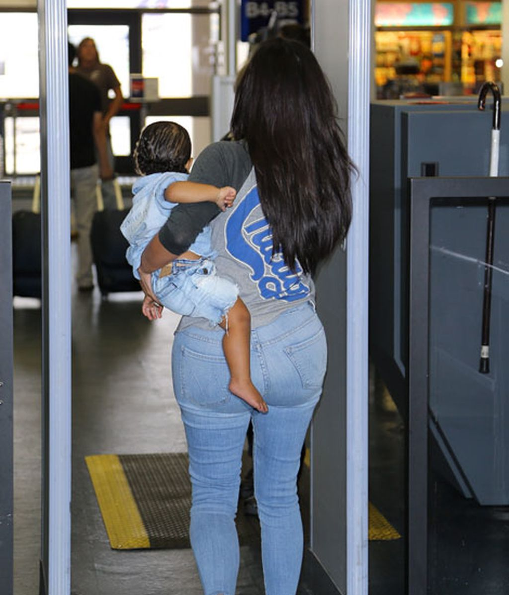 La 'baby-celeb' North West, ideal con su nuevo look