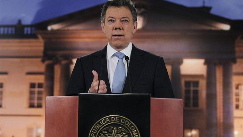 Santos, a las FARC: el diálogo carece de sentido si no entregan las armas