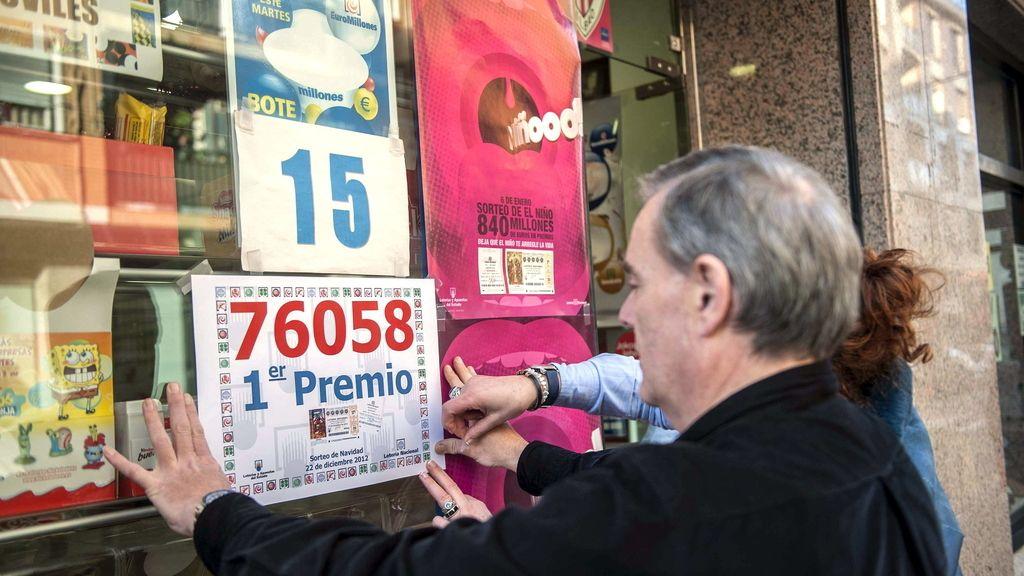 Un punto mixto de loterías de Denio vende un décimo del 76058, agraciado con el Gordo
