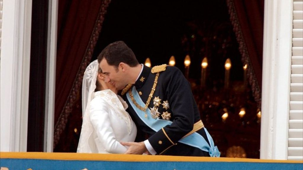 Iker, Sara y otros besos patrios