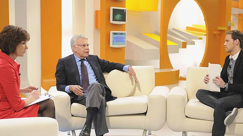 Gonzalo Miró, con Felipe González y Concha García Campoy
