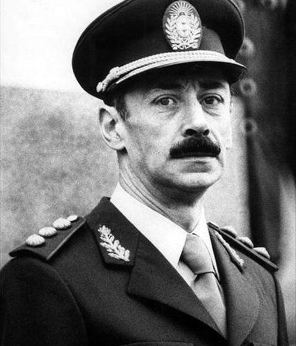 La audiencia de Nuremberg (sur de Alemania) dictó hoy orden internacional de detención contra el ex presidente argentino Jorge Rafael Videla por la muerte de un ciudadano alemán. EFE/Archivo