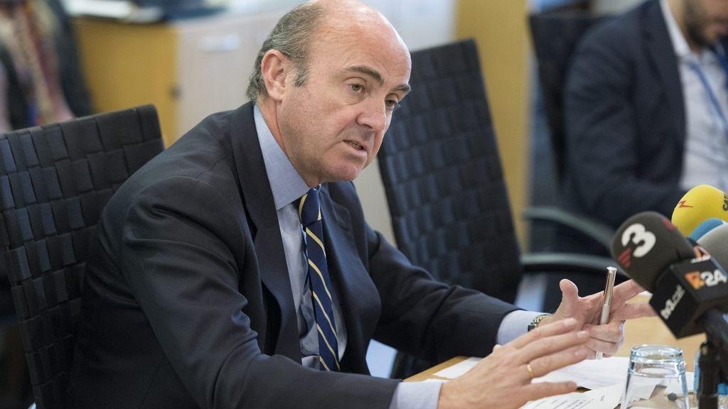 "De Guindos espera un dato ""bueno"" de la EPA del primer trimestre"