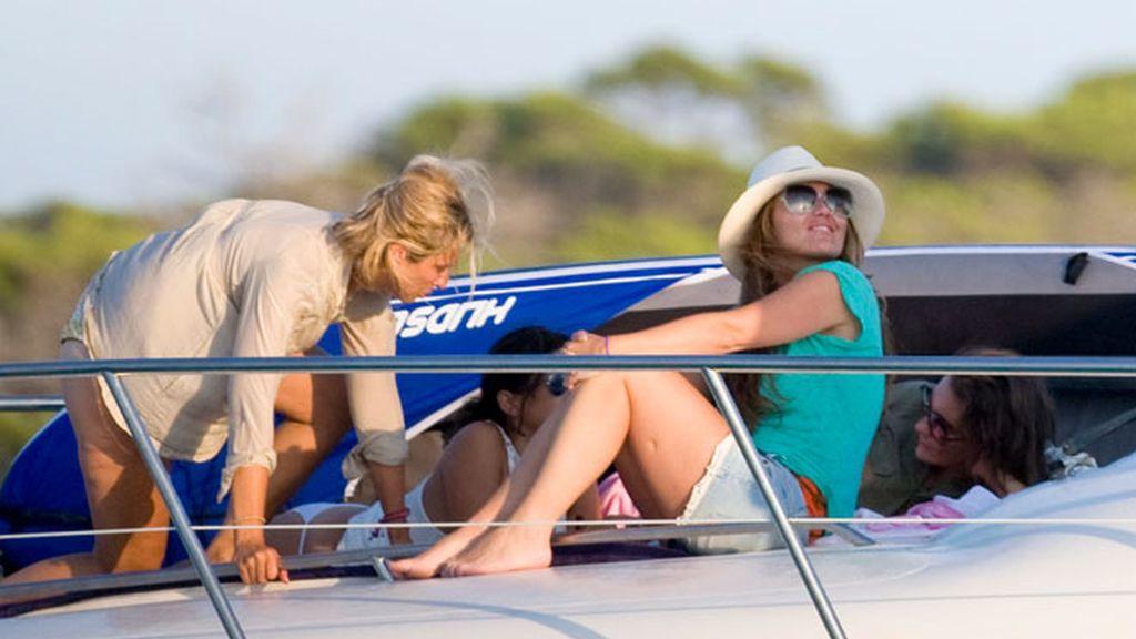 Las vacaciones en el mar de Amaia Montero y Gonzalo Miró